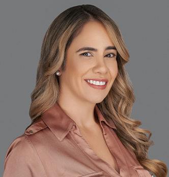 Sandra Gomez3221 332x346 1
